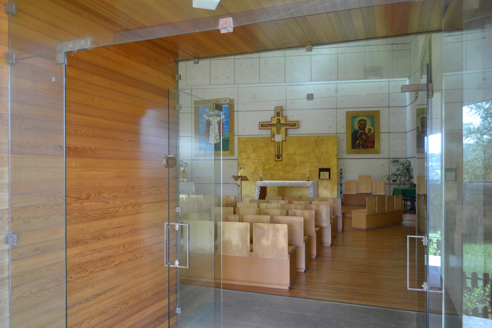 Monte do Gozo wejście do kaplicy