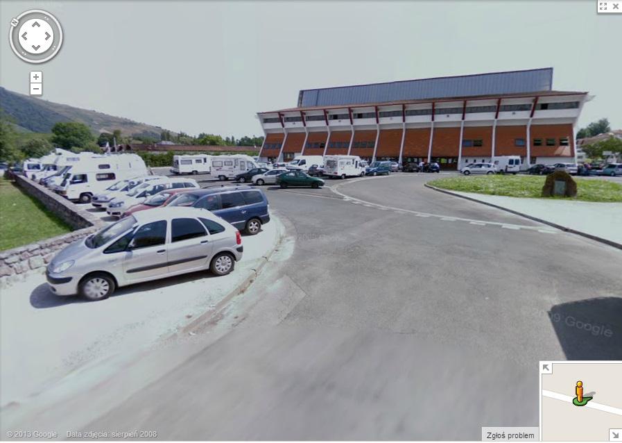 parking przy hali w sjpdp