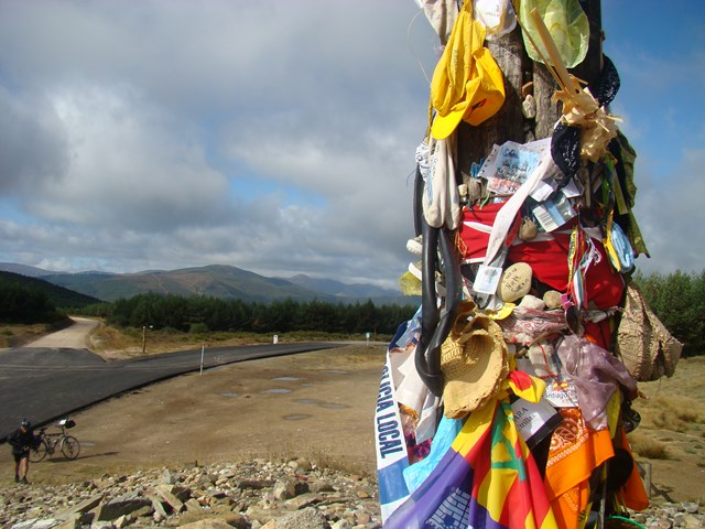 Magiczne miejsce na Camino- Cruz de Ferro