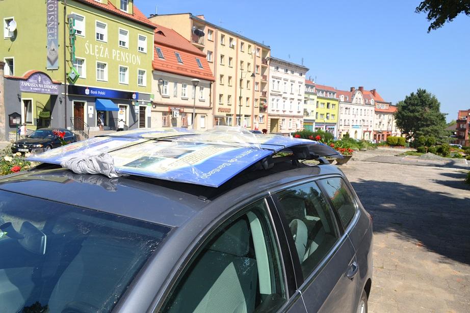 tablica na dachu